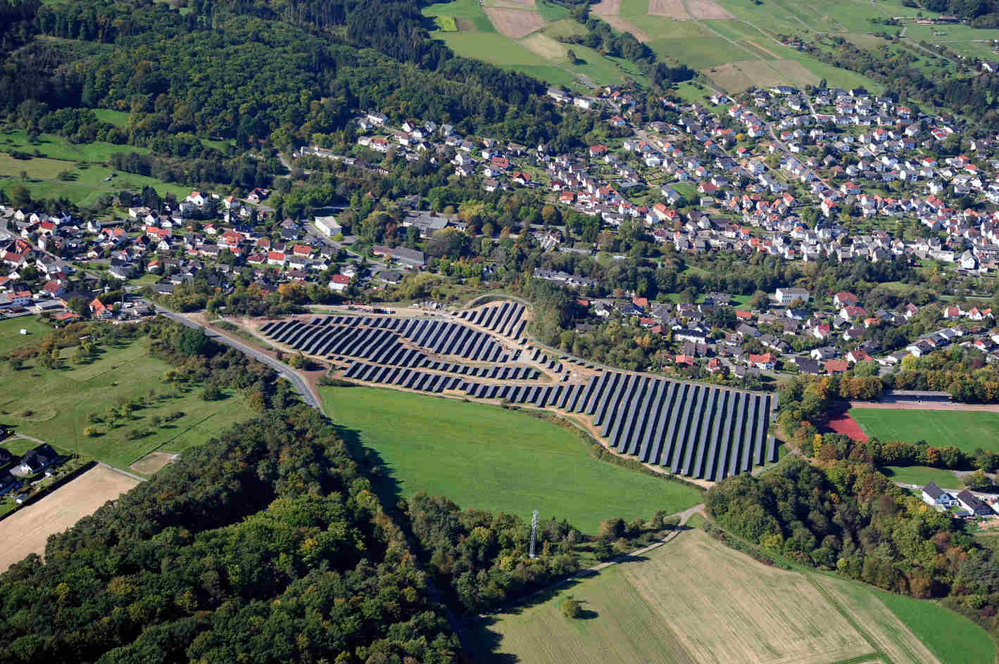 Luftbild 1 der Sybac Solar