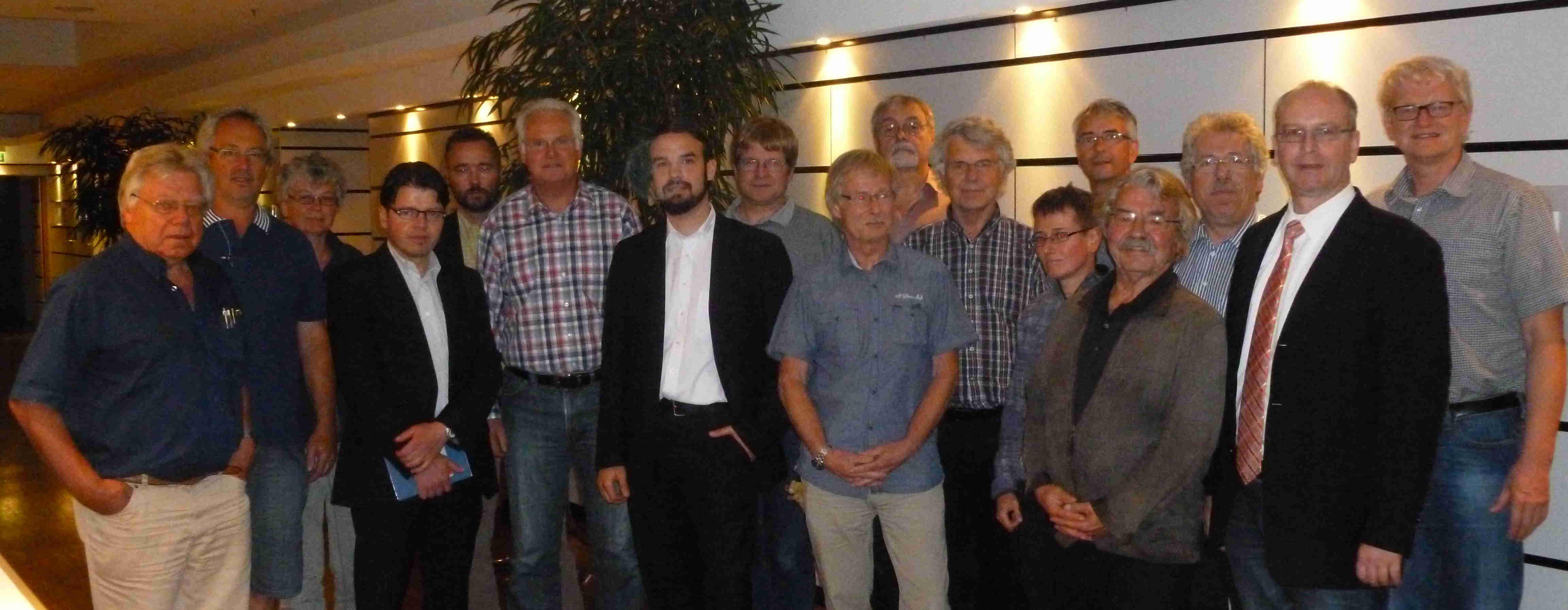 Gruppenfoto Grundungsversammlung LaNEG Hessen e.V.